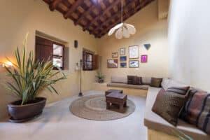 Voorbeeld-van-duurzame-woning-Lemon-Lodge-Aljezur-Portugal-